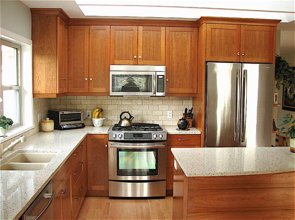 upper and lower kitchen cabinets
